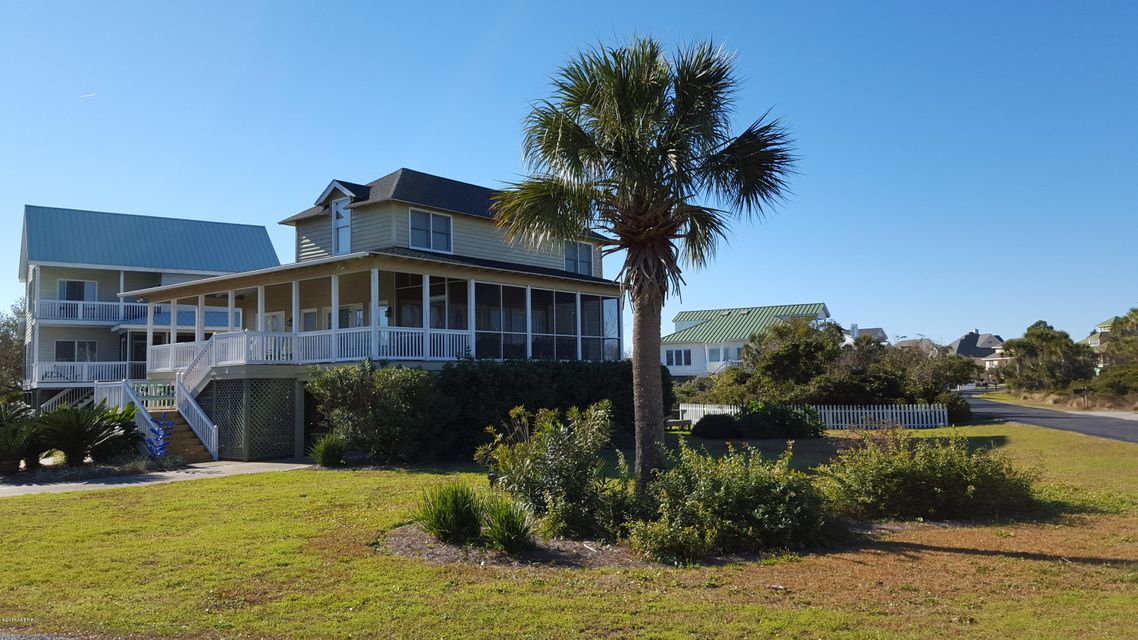 2 Windjammer Court, Harbor Island, SC 29920