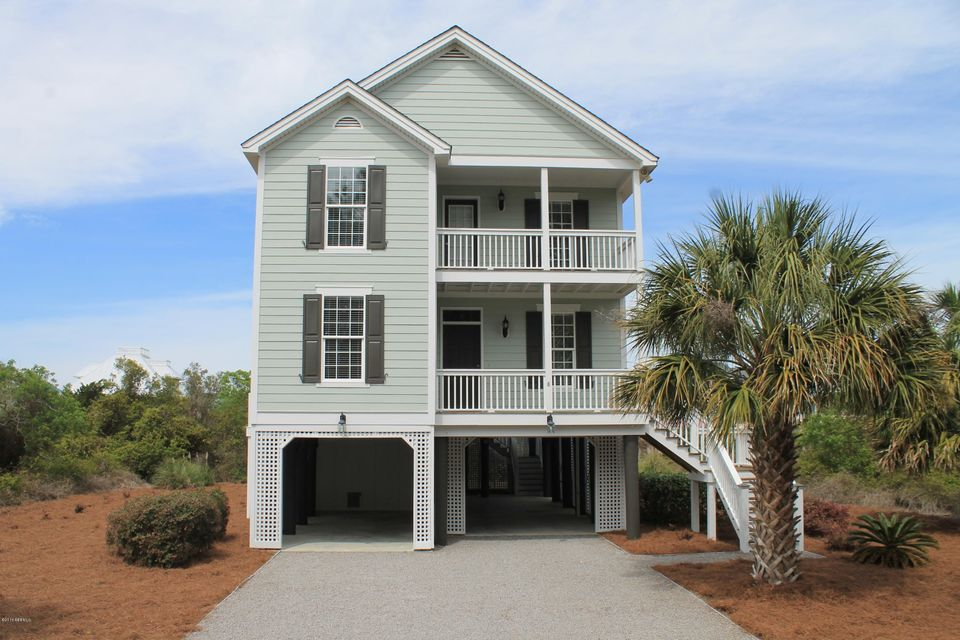 8 Scallop Court, Harbor Island, SC 29920