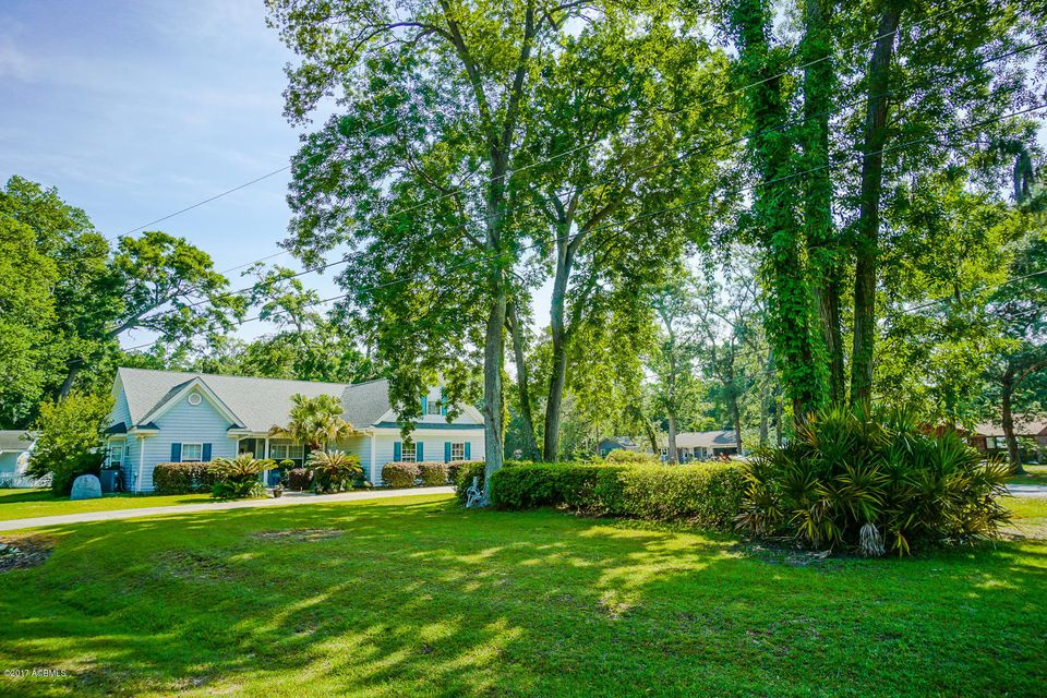 933 Magnolia Bluff Circle, Beaufort, SC 29902