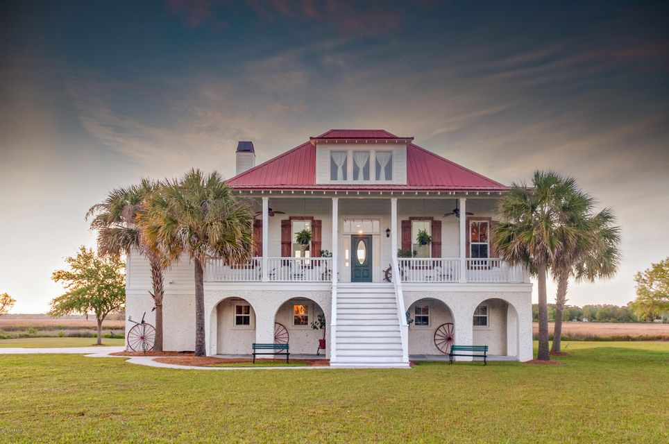 14 Country Road, Beaufort, SC 29906