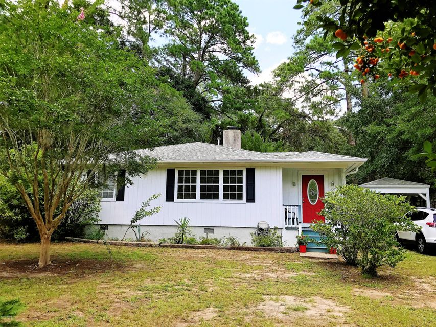 307 Battery Creek Road, Beaufort, SC 29902