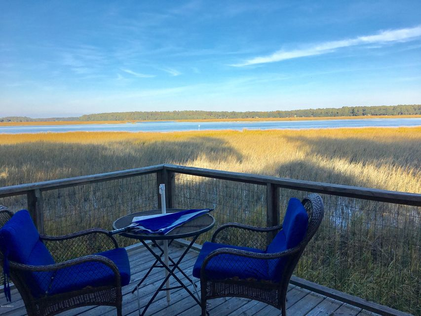 Photo of 2427 Pigeon Point Road #B, Beaufort, SC 29902