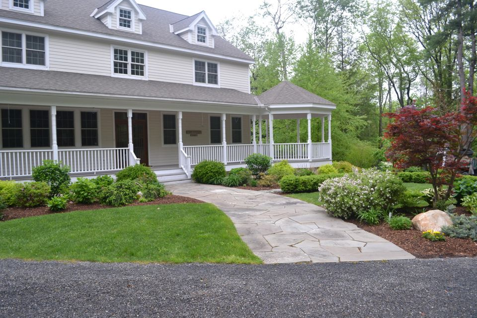 11 Londonderry Dr, Great Barrington, MA - USA (photo 3)