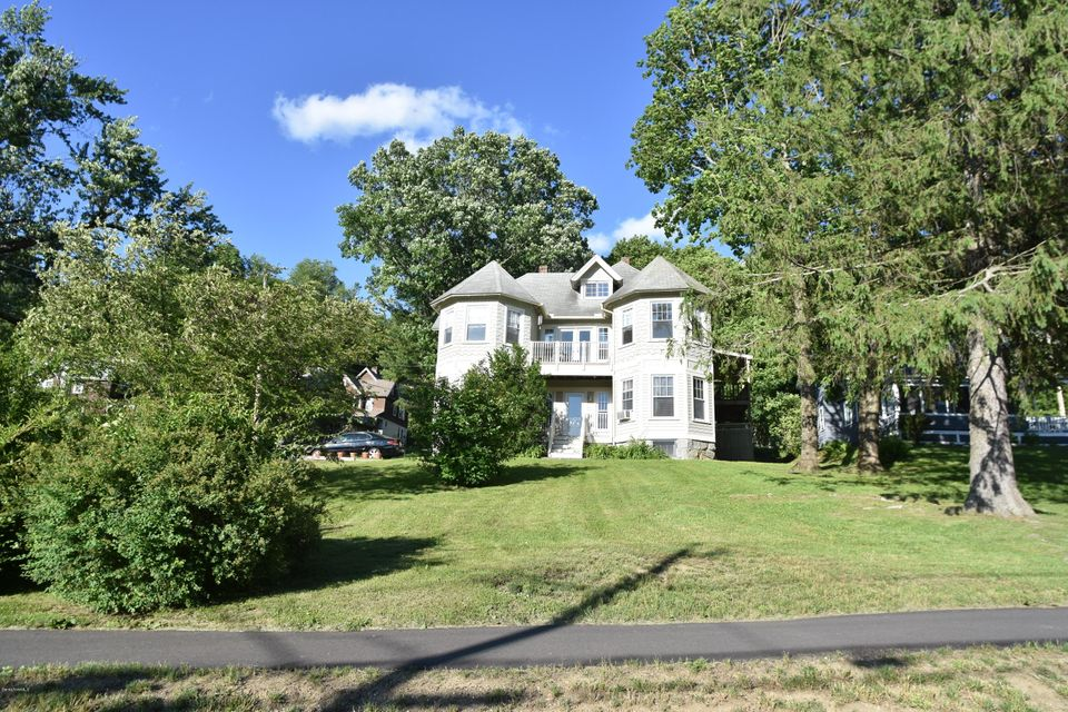19 PINE, Great Barrington, MA 01230