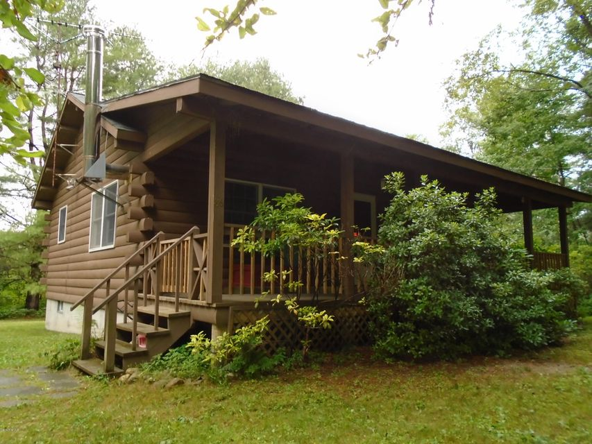 86 Peterson, Becket, MA 01223