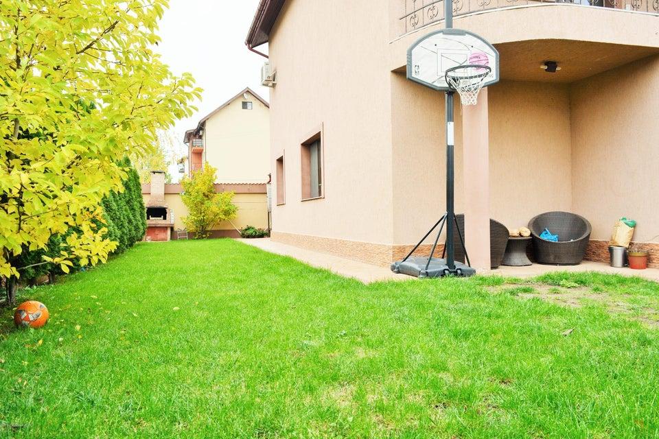 Vanzare Casa 230 m²