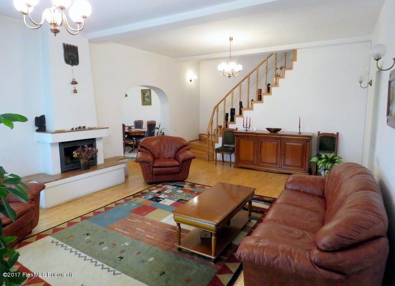 Vanzare Casa 366 m²