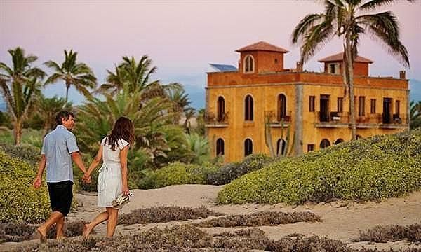 La Pastora Oceanfront Estate-2