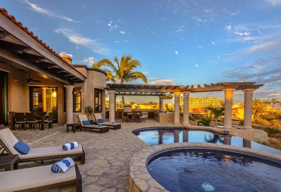 Villa Tequila Gold-32