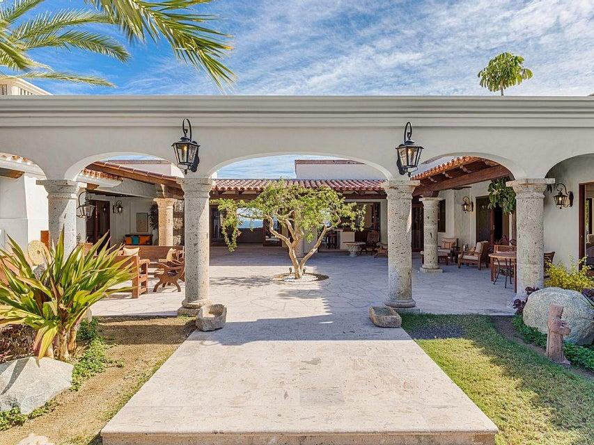 Casa Loma-4