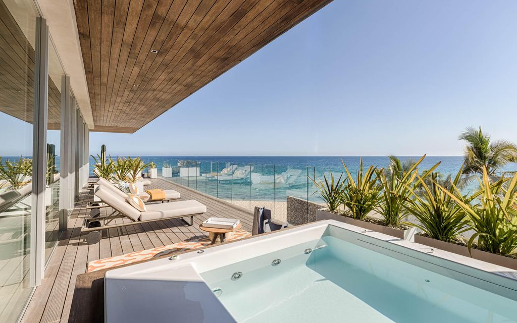 a Luxury Collection Resort