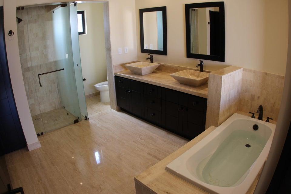 Niza 4 bed residence Quivira-17