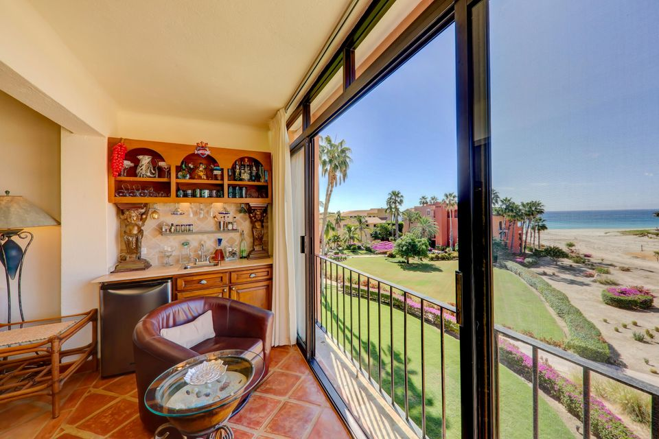 2 Bed Penthouse - Oceanside-11