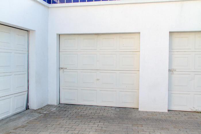 Mira Vista  with garage-18
