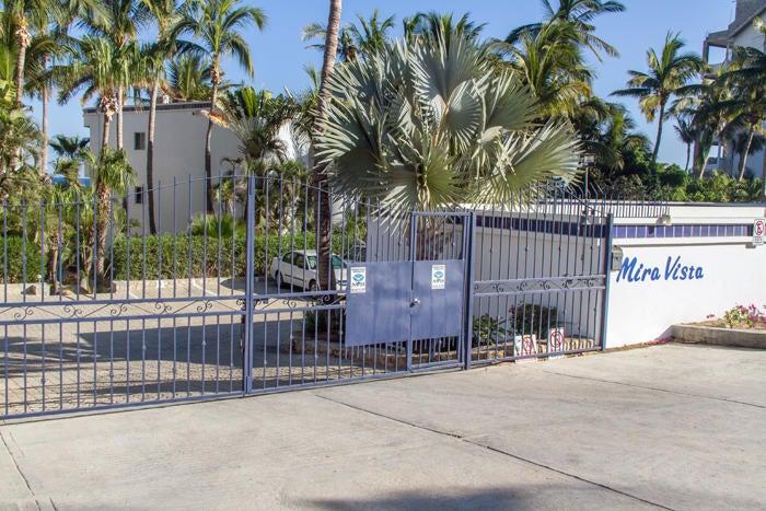 Mira Vista  with garage-17