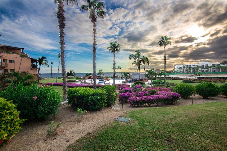 BEACH FRONT Casa del Mar-5