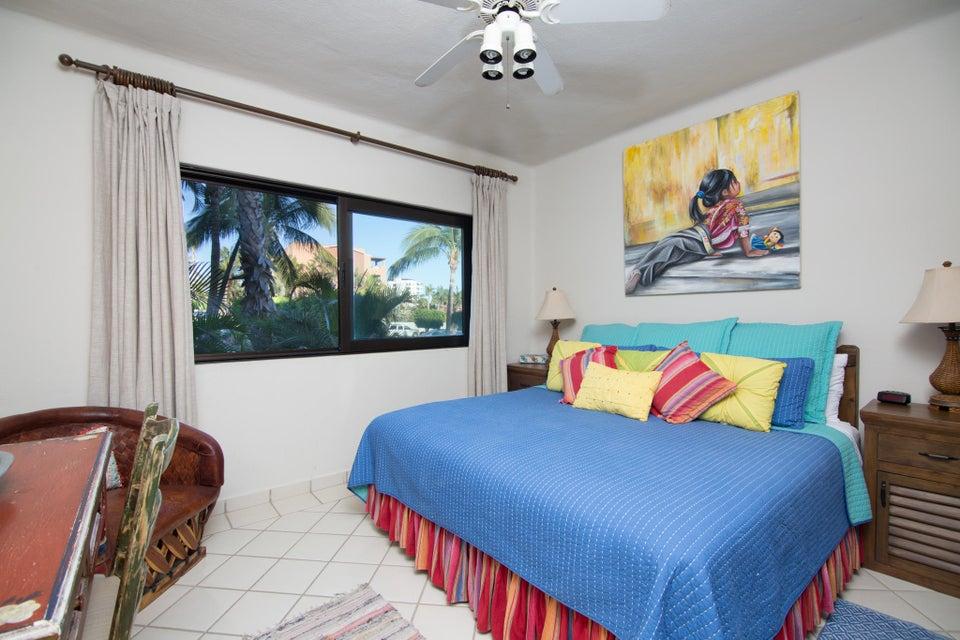 BEACH FRONT Casa del Mar-7