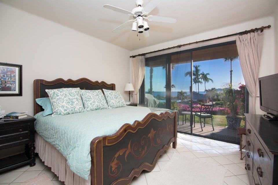 BEACH FRONT Casa del Mar-4