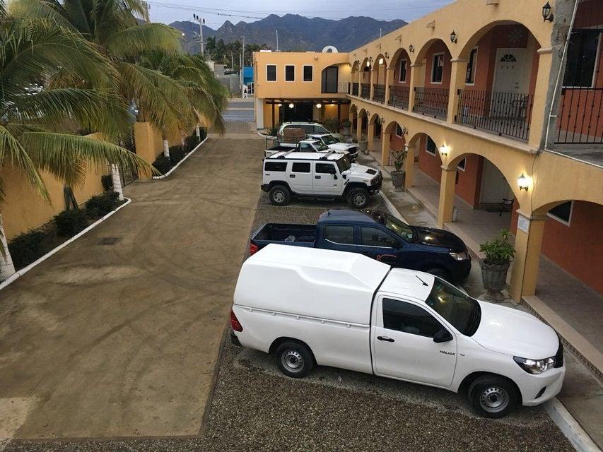 Hotel Plaza Los Arcos-1