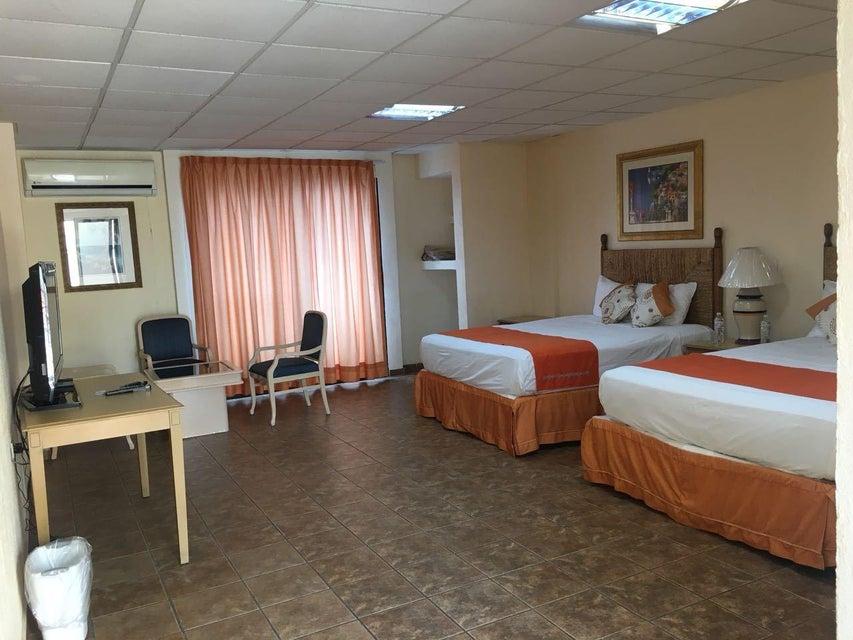 Hotel Plaza Los Arcos-2