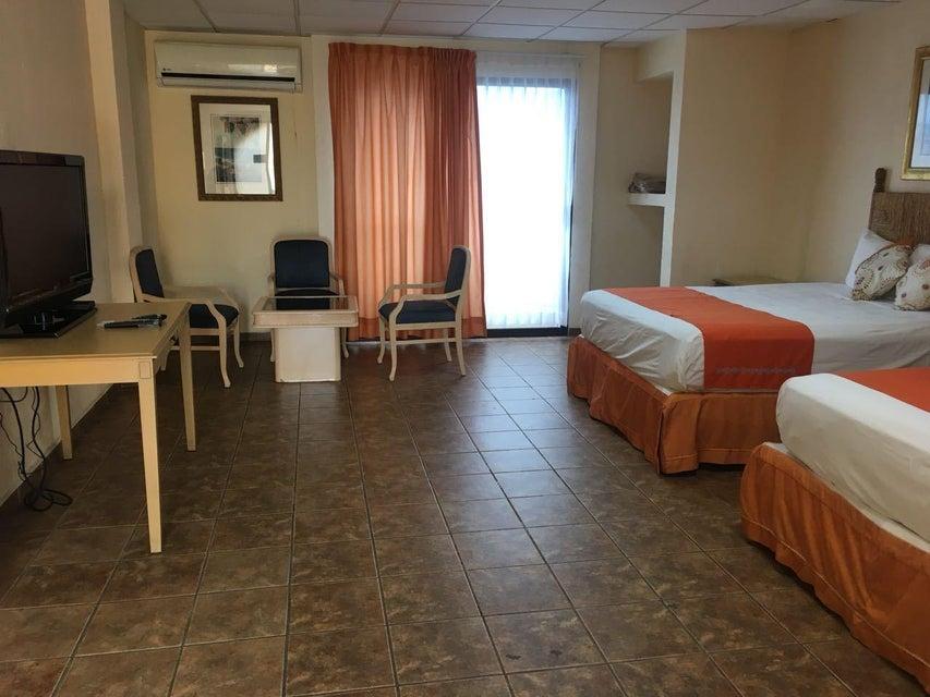 Hotel Plaza Los Arcos-5