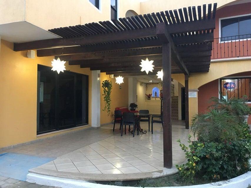 Hotel Plaza Los Arcos-11