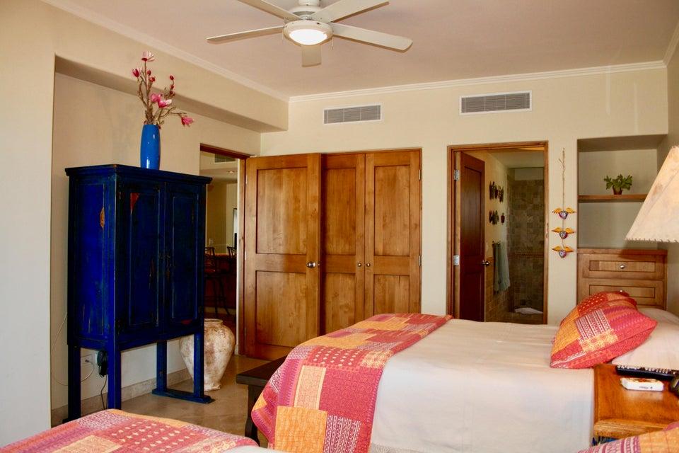 Residence 4201 plus garage-17