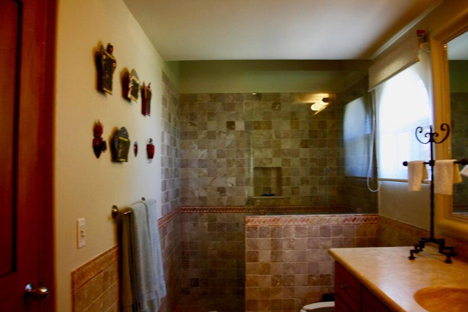 Residence 4201 plus garage-23