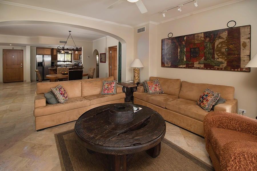 Residence 4201 plus garage-6
