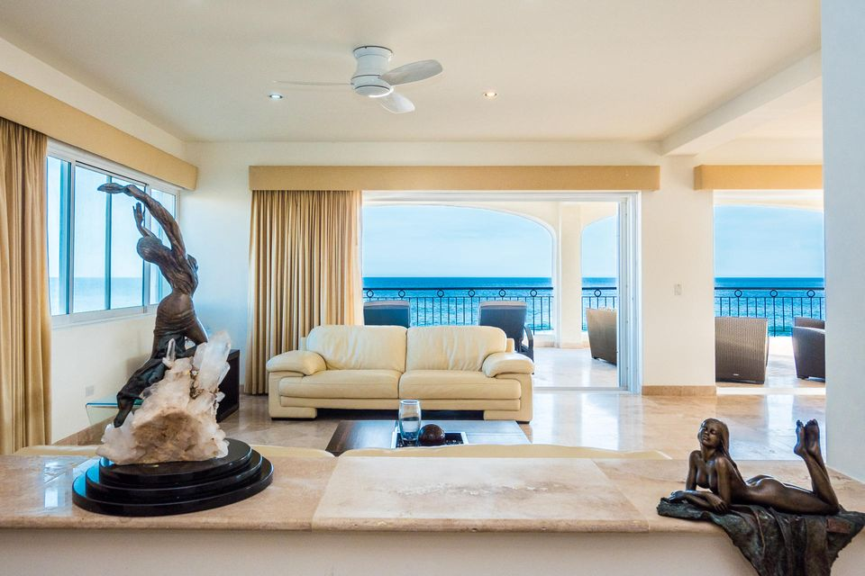Ocean Front Villa-4