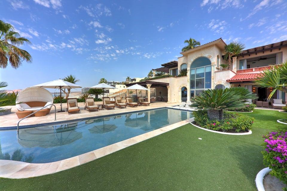 Beach Front Luxury Villa-1