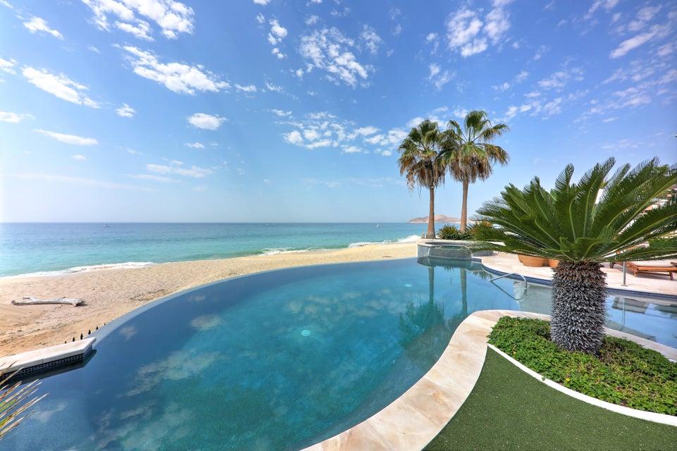 Beach Front Luxury Villa-36