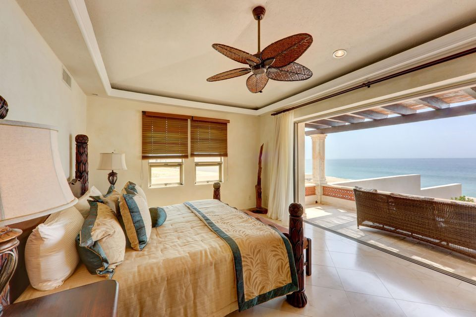 Beach Front Luxury Villa-42
