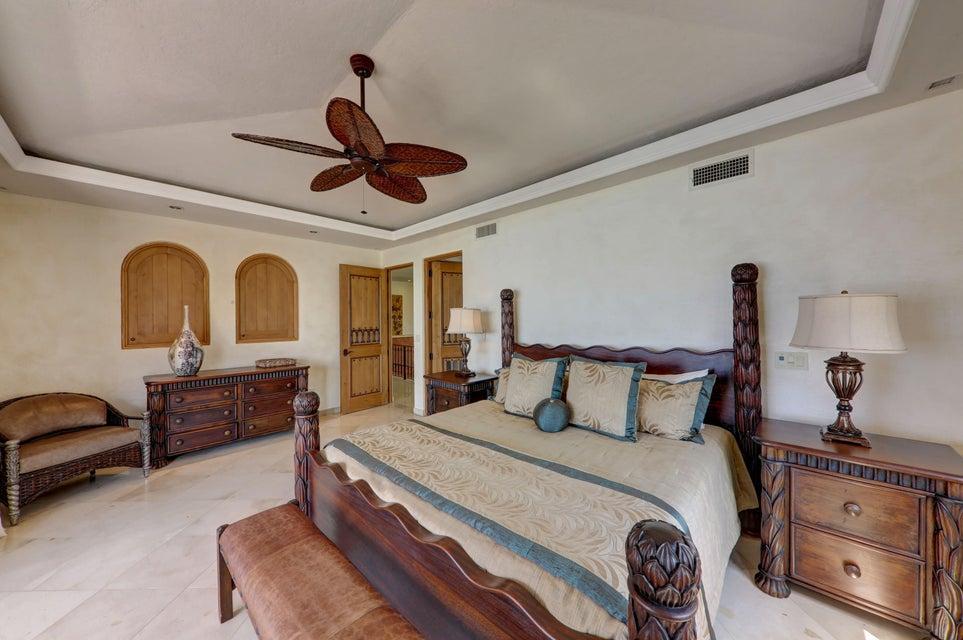 Beach Front Luxury Villa-41