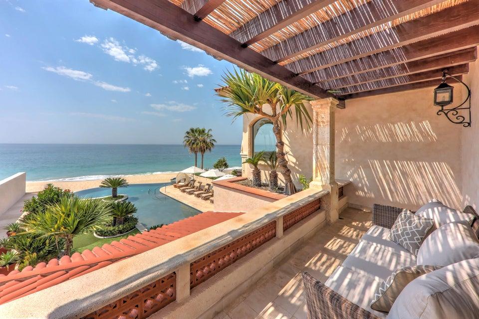Beach Front Luxury Villa-46