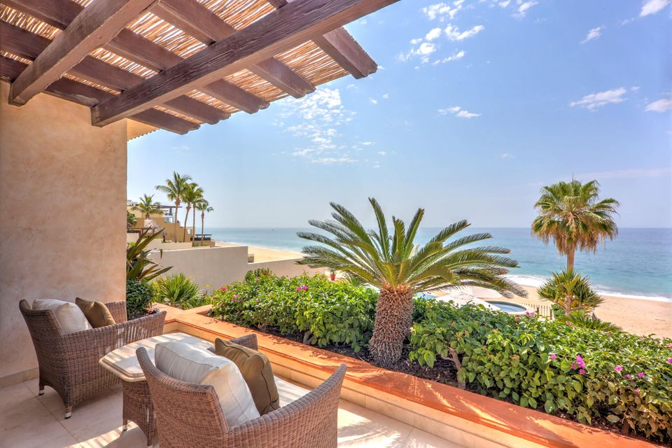 Beach Front Luxury Villa-51