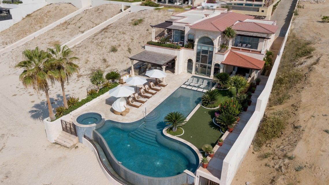 Beach Front Luxury Villa-60