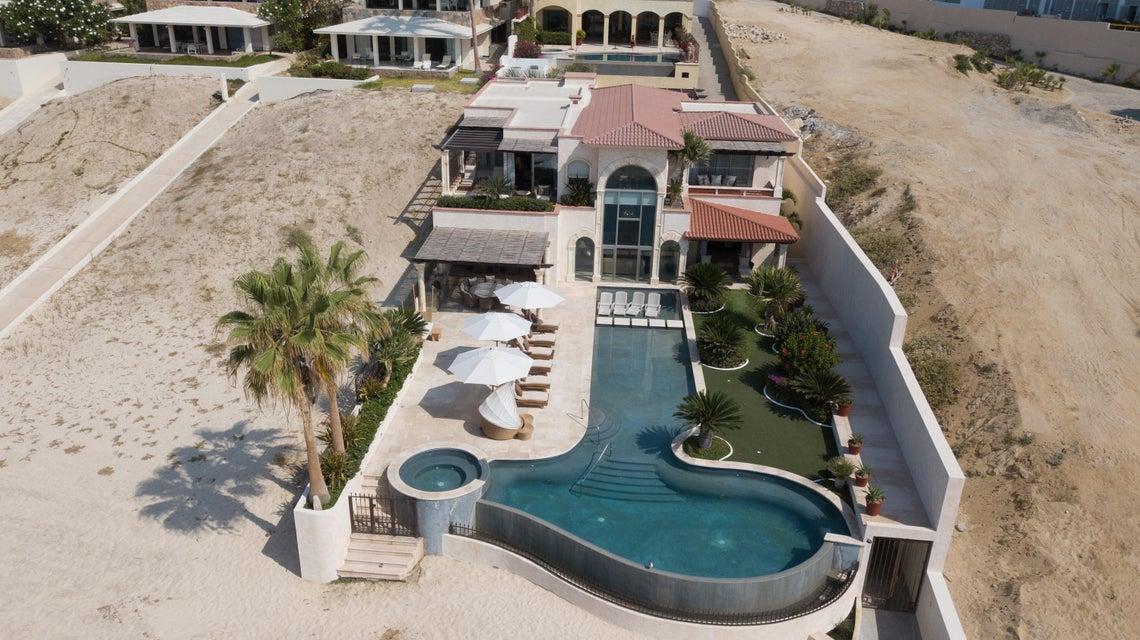Beach Front Luxury Villa-63