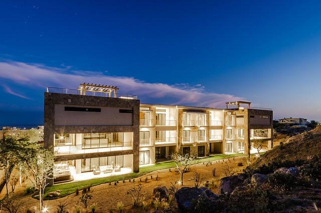 2 Bd PentHouse Rooftop Deck-7