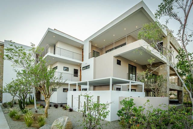 2 Bd PentHouse Rooftop Deck-12