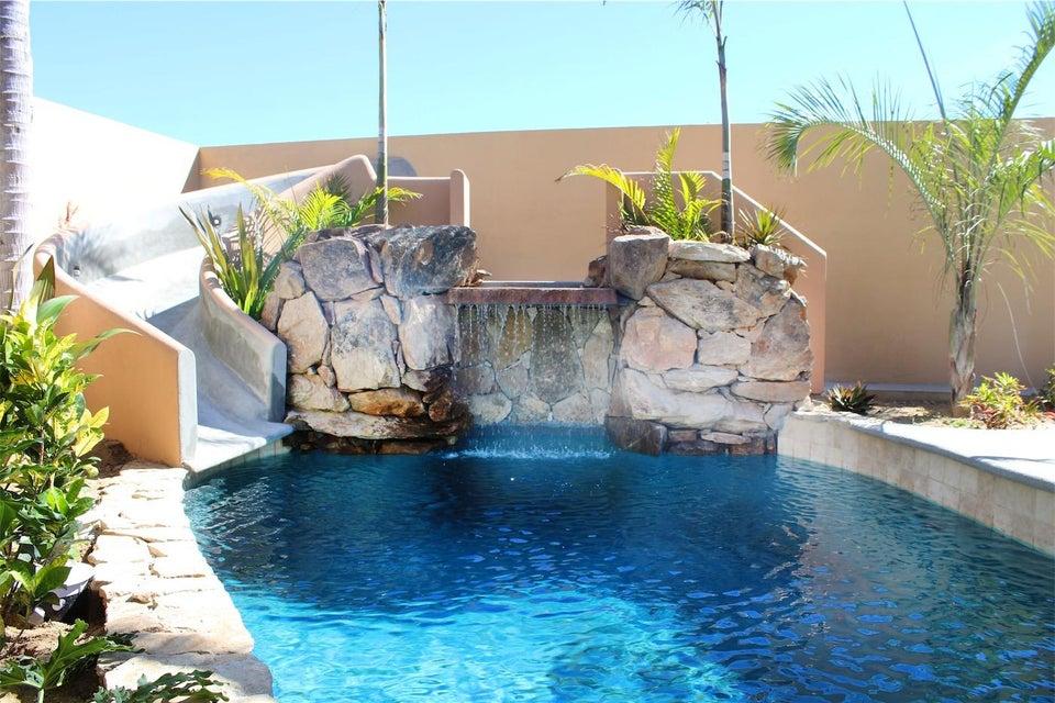 50% of Cerritos Beach Inn-3