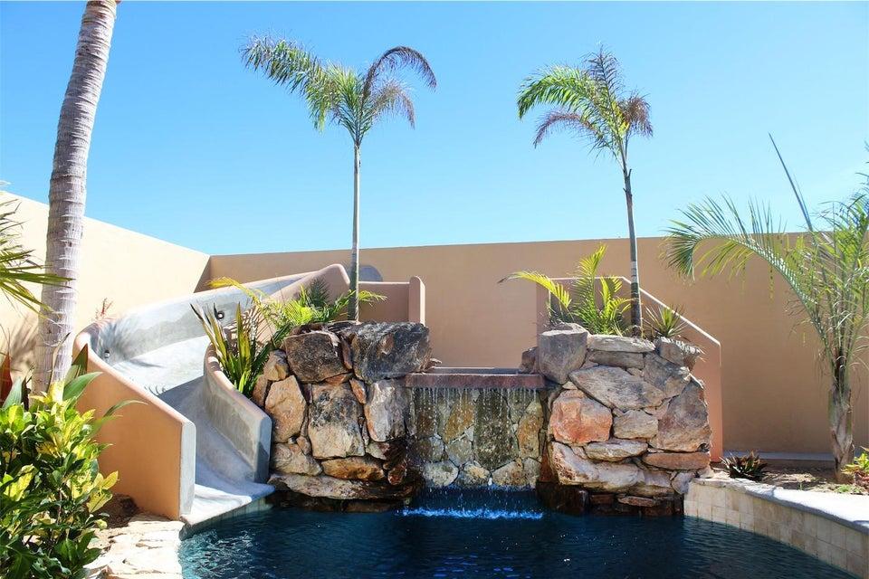 50% of Cerritos Beach Inn-4