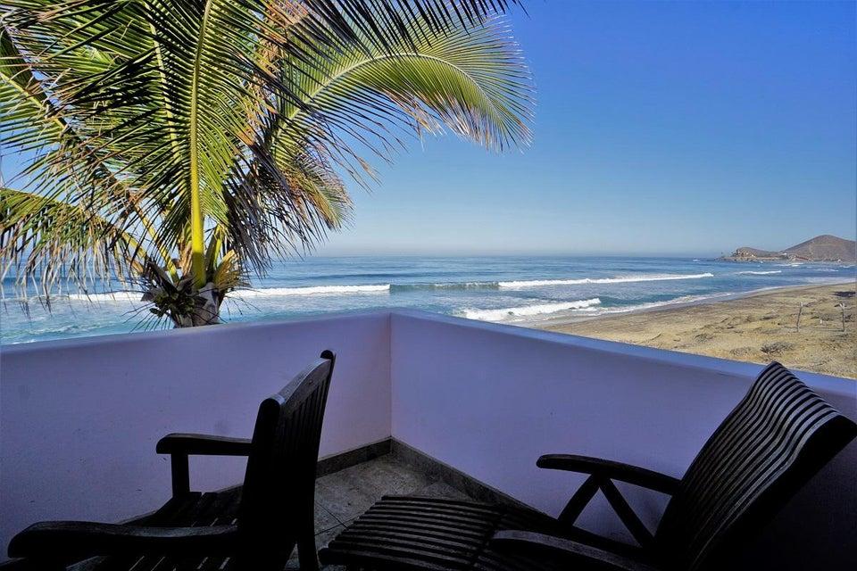 50% of Cerritos Beach Inn-31