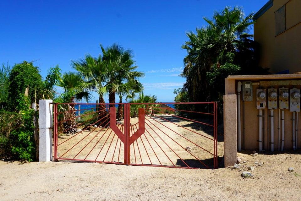 Beachfront 3BR Home-1