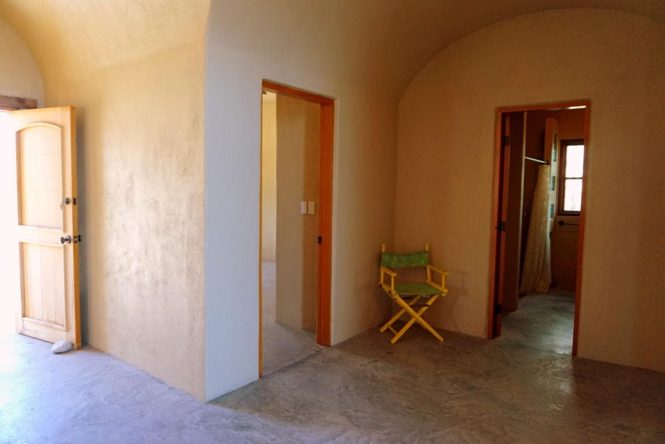 Beachfront 3BR Home-10