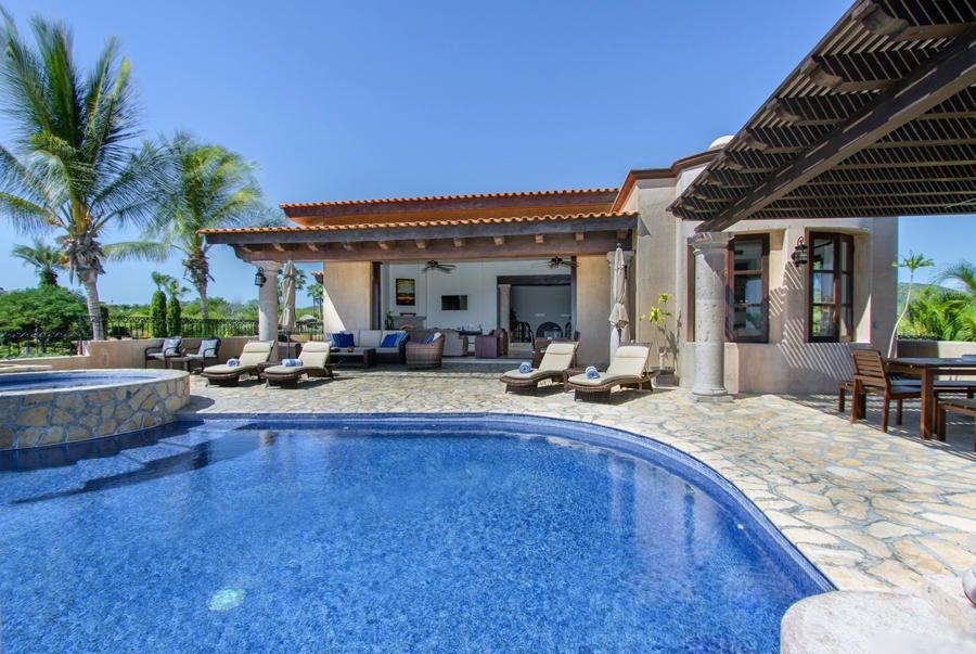 Villa Tequila Gold-26