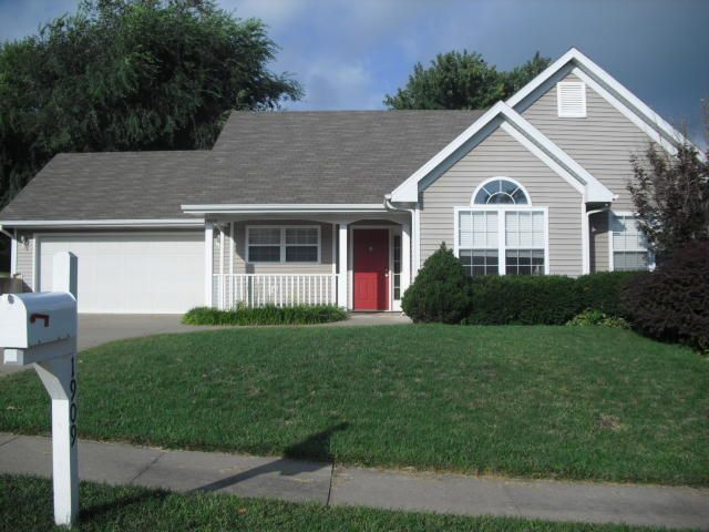 1909 MAYBERRY DR, COLUMBIA, MO 65202