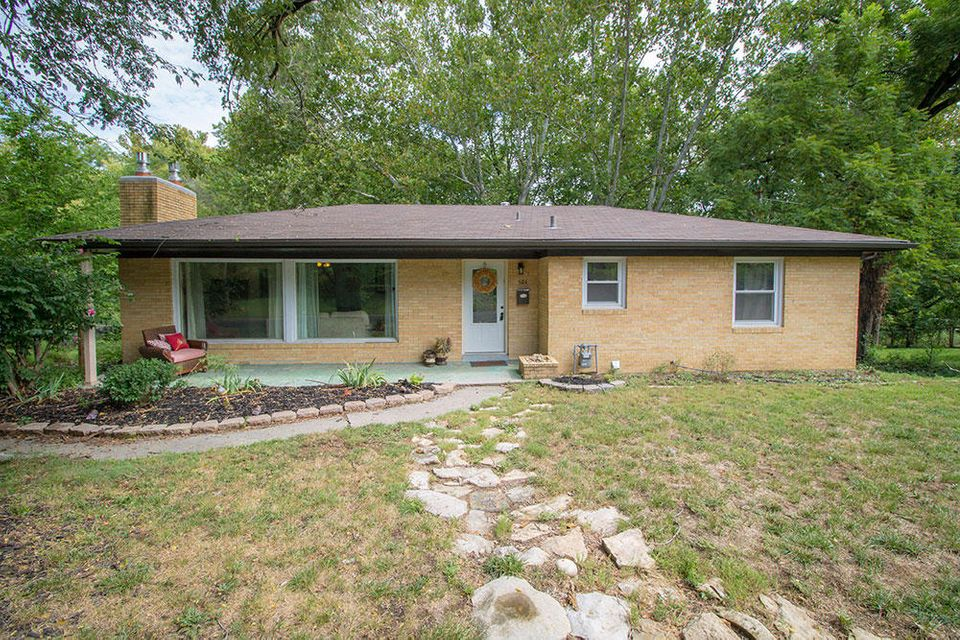 202 SPRING VALLEY RD, COLUMBIA, MO 65203