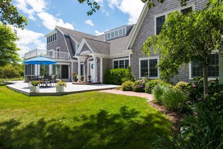 Additional photo for property listing at $2,195,000.00 - 326 Bridge Street in Chatham 326 Bridge Street Chatham, Massachusetts,02633 Verenigde Staten
