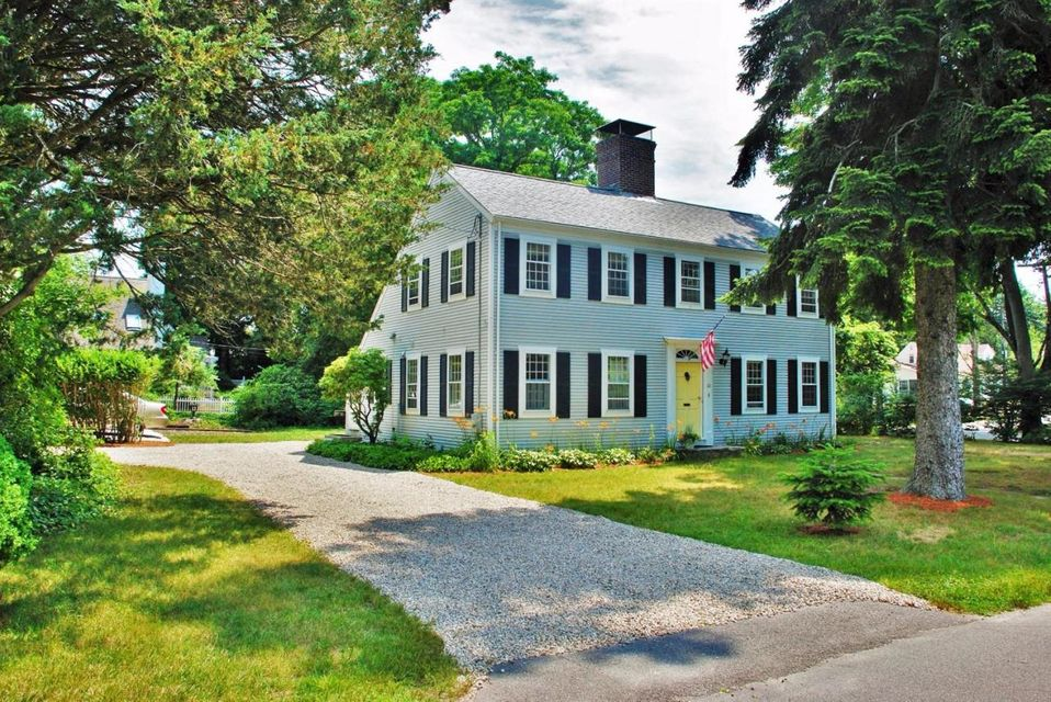 22 Siders Pond Road, Falmouth, MA 02540